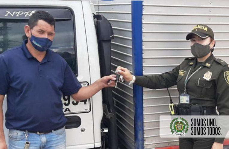 La ofensiva contra el hurto de automotores continúa, un camión más fuerte recuperado en el municipio de Soacha.