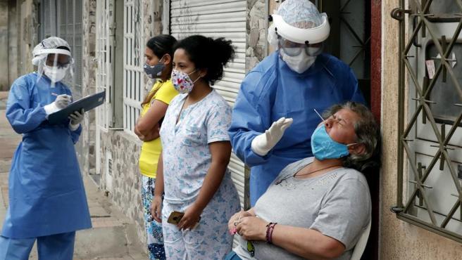 Cepas de COVID británica y brasileña ya circulan en Bogotá