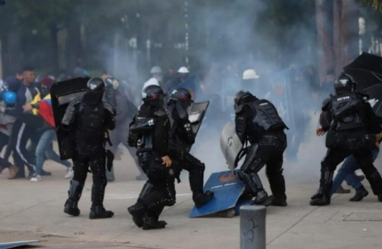"""""""El gobierno tiene la obligación de proteger la protesta pacífica."""" afirmó Vivianco director de la divisón americana de Derechos Humanos"""