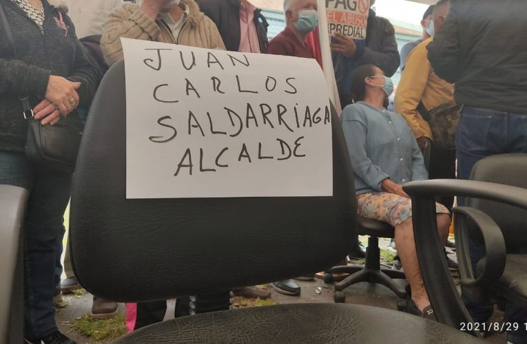Alcalde dejó la silla vacía en cabildo abierto contra el impuesto predial