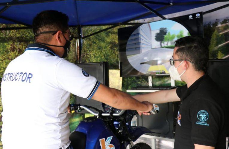 A través de simulador, Secretaría de Movilidad de Cundinamarca lleva pedagogía vial a los municipios.